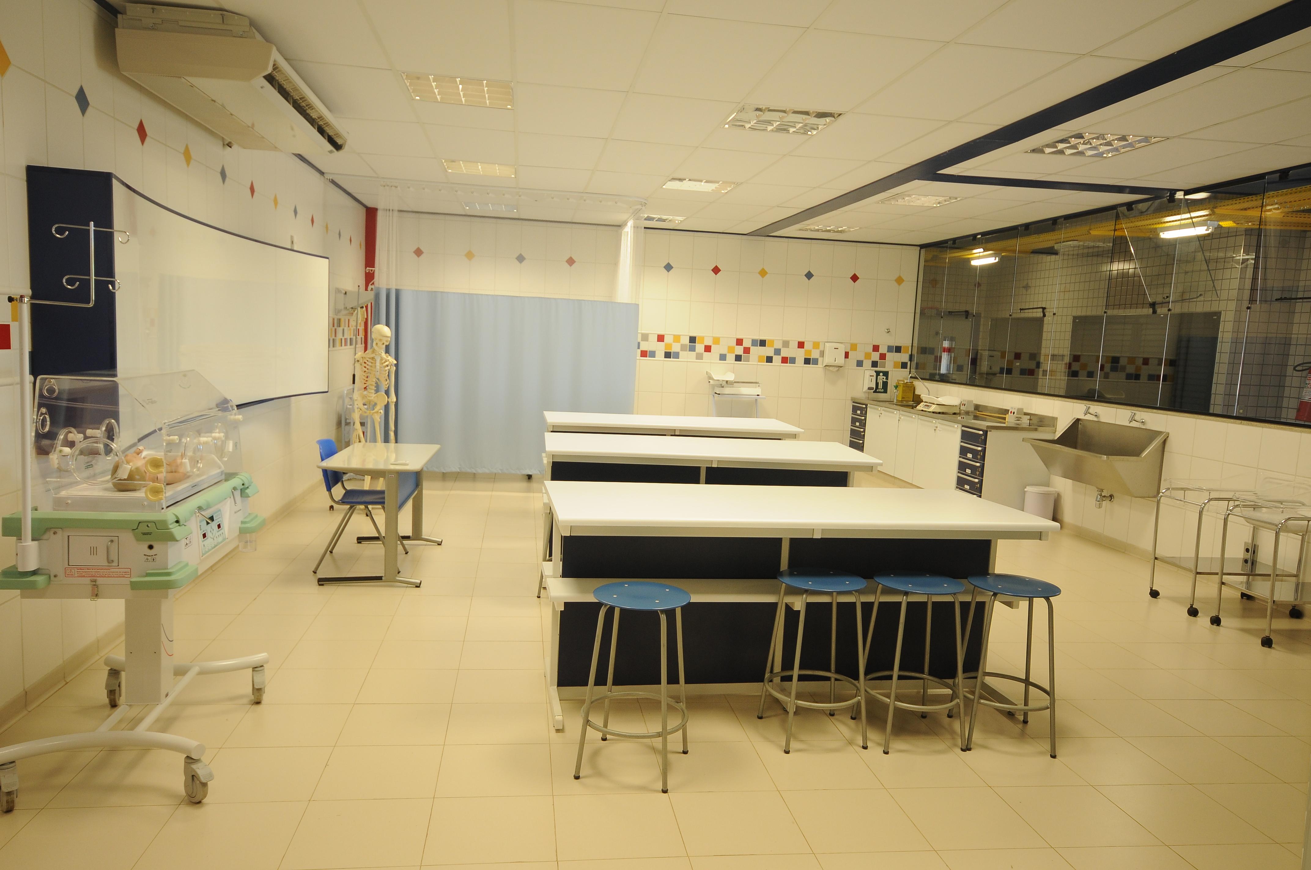 Laboratórios 32