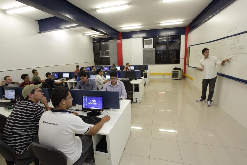 Laboratórios 14