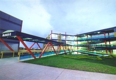 Campus 8