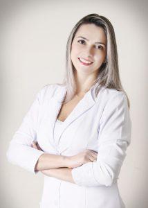 Egressa do curso de Enfermagem trabalha na UBS do Programa Saúde da Família