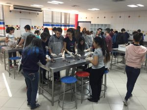 Unitri recebe a visita de alunos do Colégio Gabarito 2