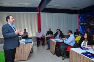 Dirigentes do Grupo ASOEC participam de reunião no campus 2