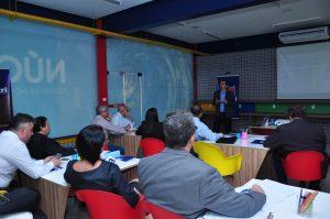 Dirigentes do Grupo ASOEC participam de reunião no campus 4