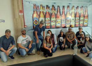 Acadêmicos realizam visita técnica na fábrica da AMBEV 3
