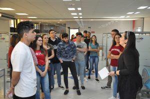 Alunos de Odontologia da Universo Goiânia visitam o campus 4